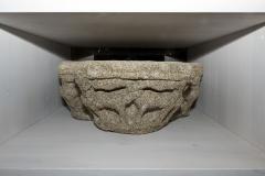 Capitel triplo con motivos animais  Granito, 32 x 80 x 45 cm S. XIV-XV