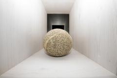 Bola atopada en fragmentos Granito